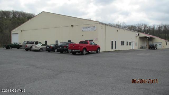 7993 US 522 Middleburg PA – 10,000SF, 16′ Ceiling, 2 Overhead Doors
